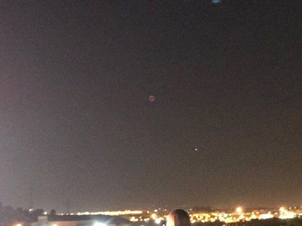 Eclipse de Luna roja - Crédito: @Ptolomeo74<br>