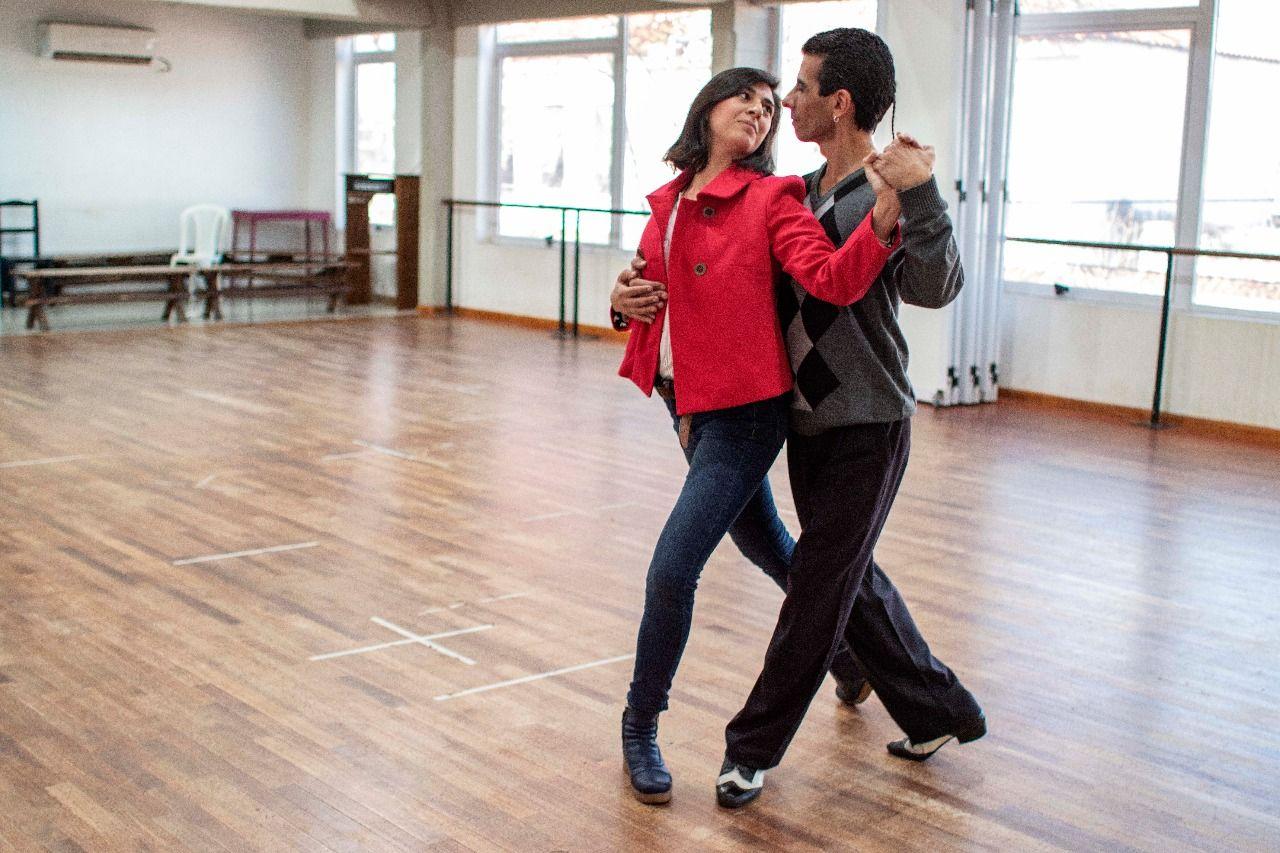 Hace cuatro años perdió su trabajo y se dedicó al tango: ahora representará al país en un certamen en China