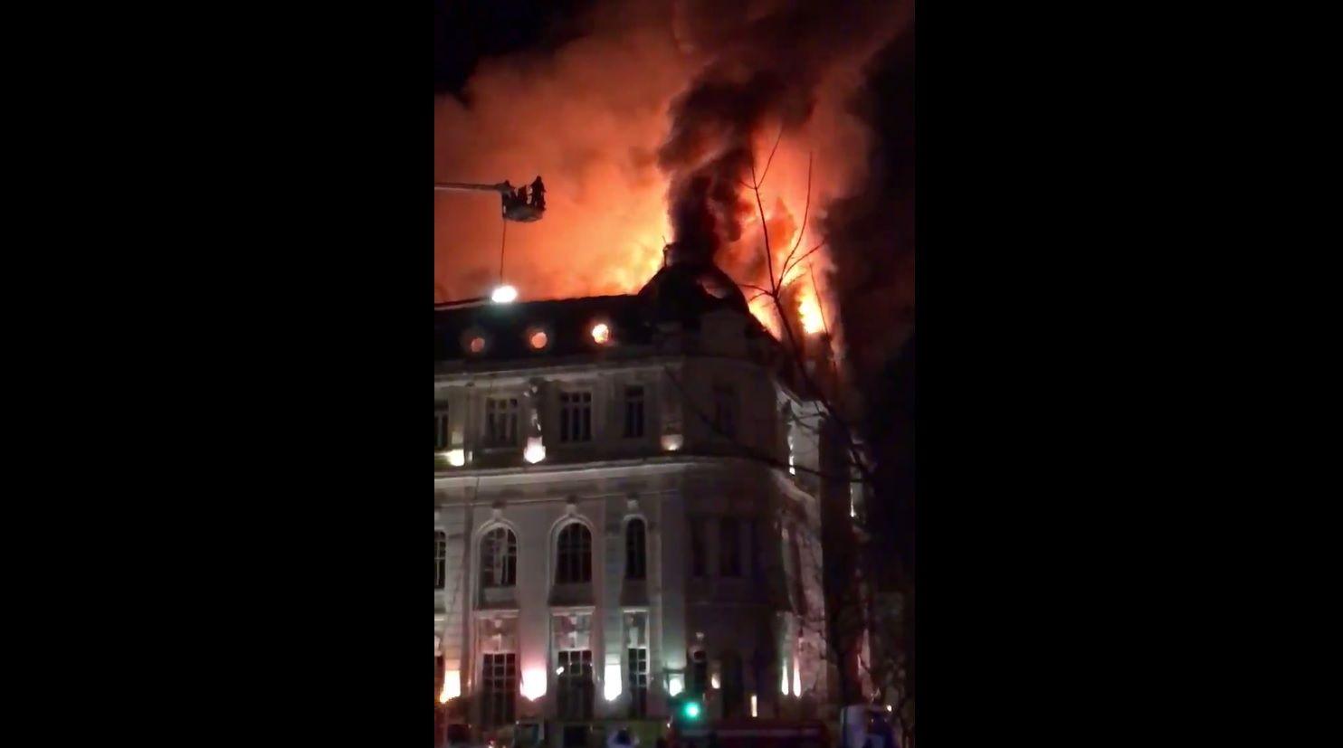 Se incendió el Banco Nación de Bahía Blanca