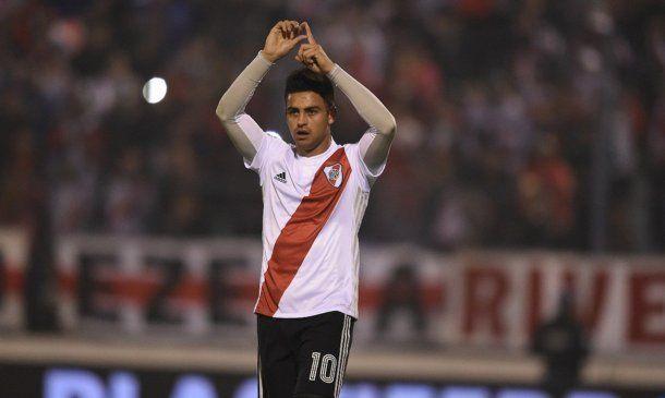 Pity Martínez festeja su gol<br>