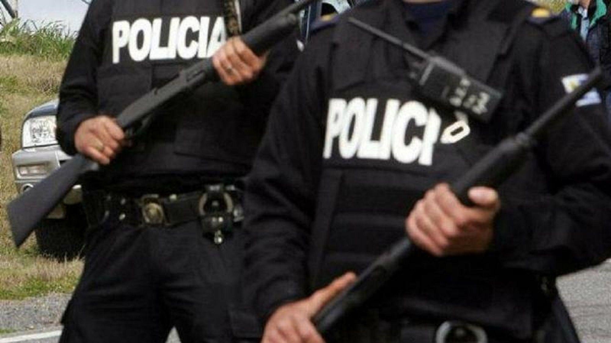 Una mujer policía denunció a un compañero por abuso sexual: la manoseó mientras dormía