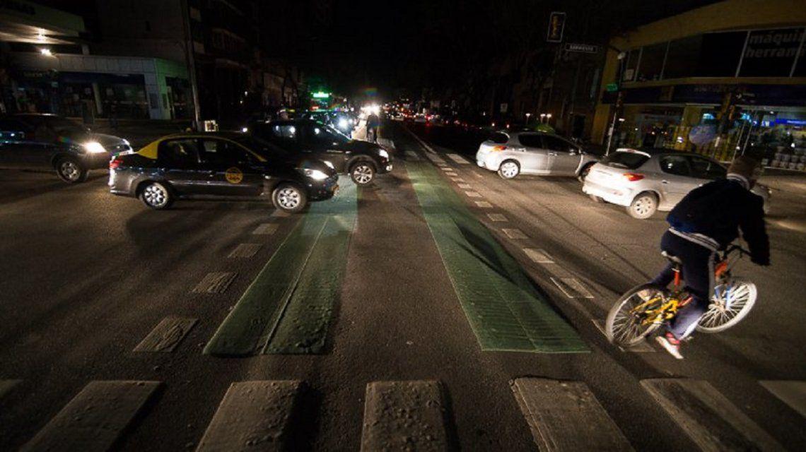 El tránsito se vio afectado por la ausencia de semáforos