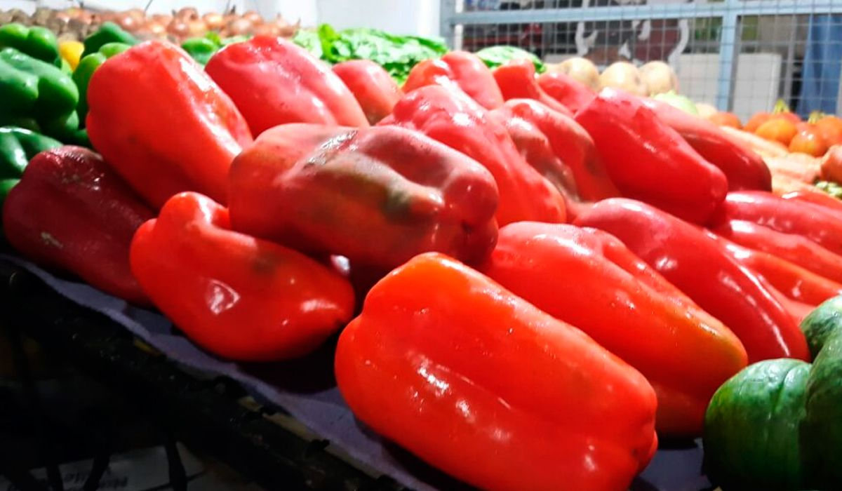 Otro golpe al bolsillo: primero fue el tomate, ahora también aumentó el morrón rojo