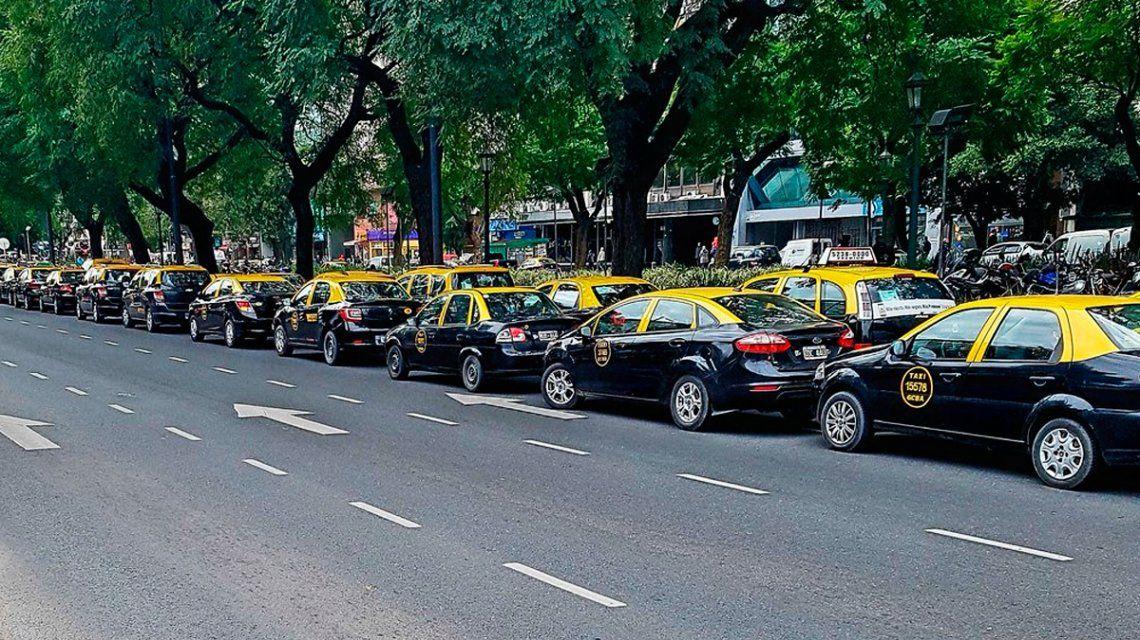 Los taxistas irán a la legislatura bonaerense para manifestarse contra Uber