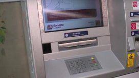 La estafa más temida: ¿qué hay que hacer para evitar fraudes en los cajeros automáticos?