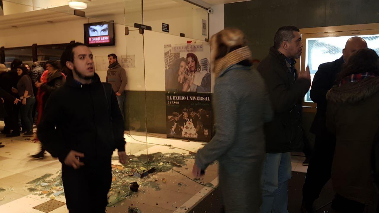 Ataque y violencia en la presentación del documental de Santiago Maldonado