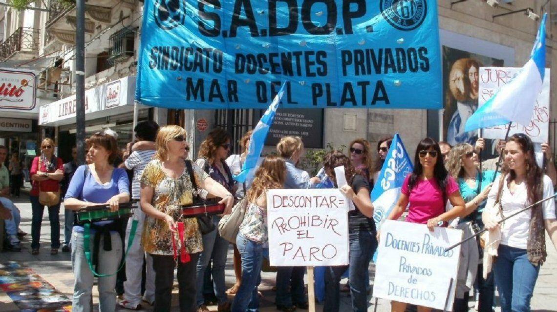 Denuncian que un colegio de Mar del Plata usa la subvención del Estado para financiar despidos