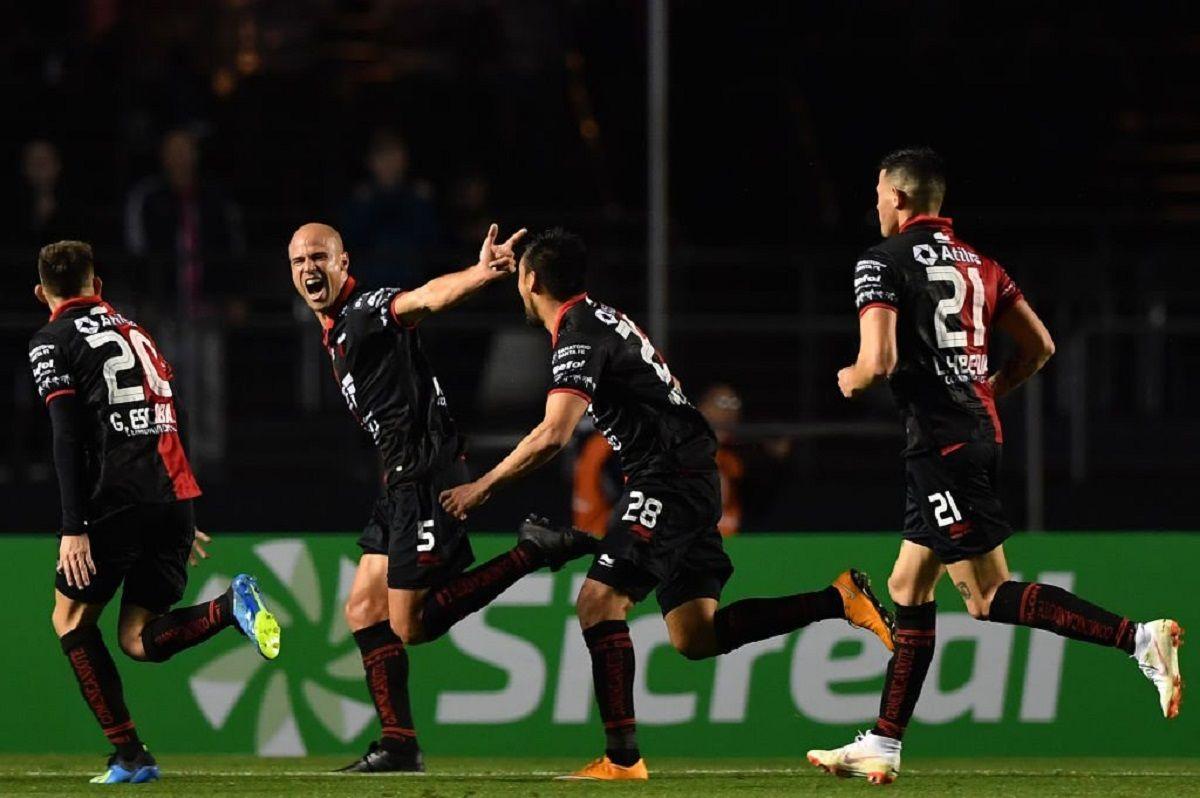 Matías Fritzler marcó un gol que quedará en la historia del Sabalero