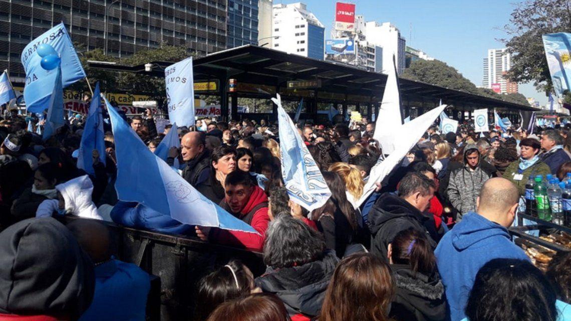 Marcha en el Obelisco en contra de la legalización de aborto