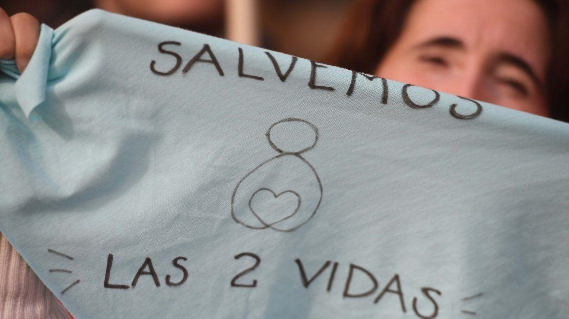 Al pie de la letra: así es el cancionero en contra del aborto legal