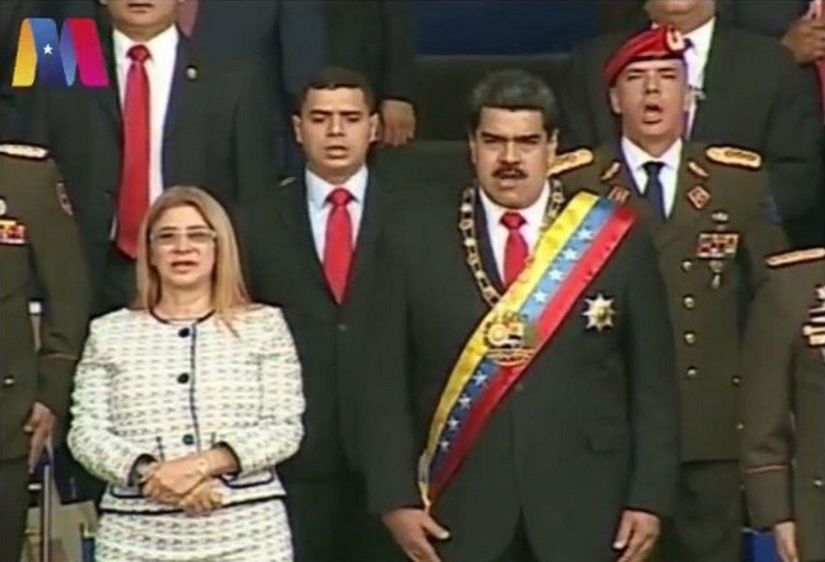 Las explosiones se produjeron cerca del escenario donde el presidente Nicolás Maduro daba un discurso