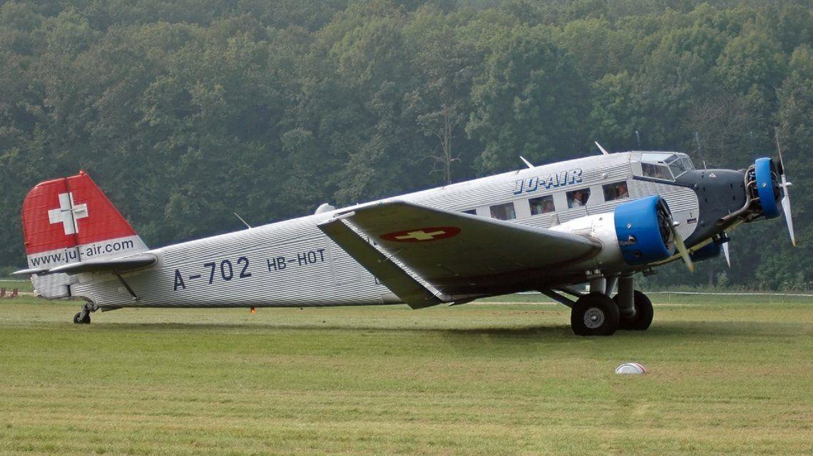 Un avión se estrelló en los Alpes suizos y murieron al menos 20 personas