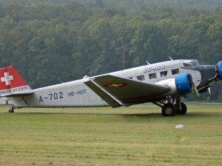 un avion se estrello en los alpes suizos y murieron al menos 20 personas