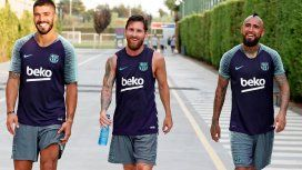 Luis Suárez, Messi y Arturo Vidal en Barcelona - Crédito:messi.com