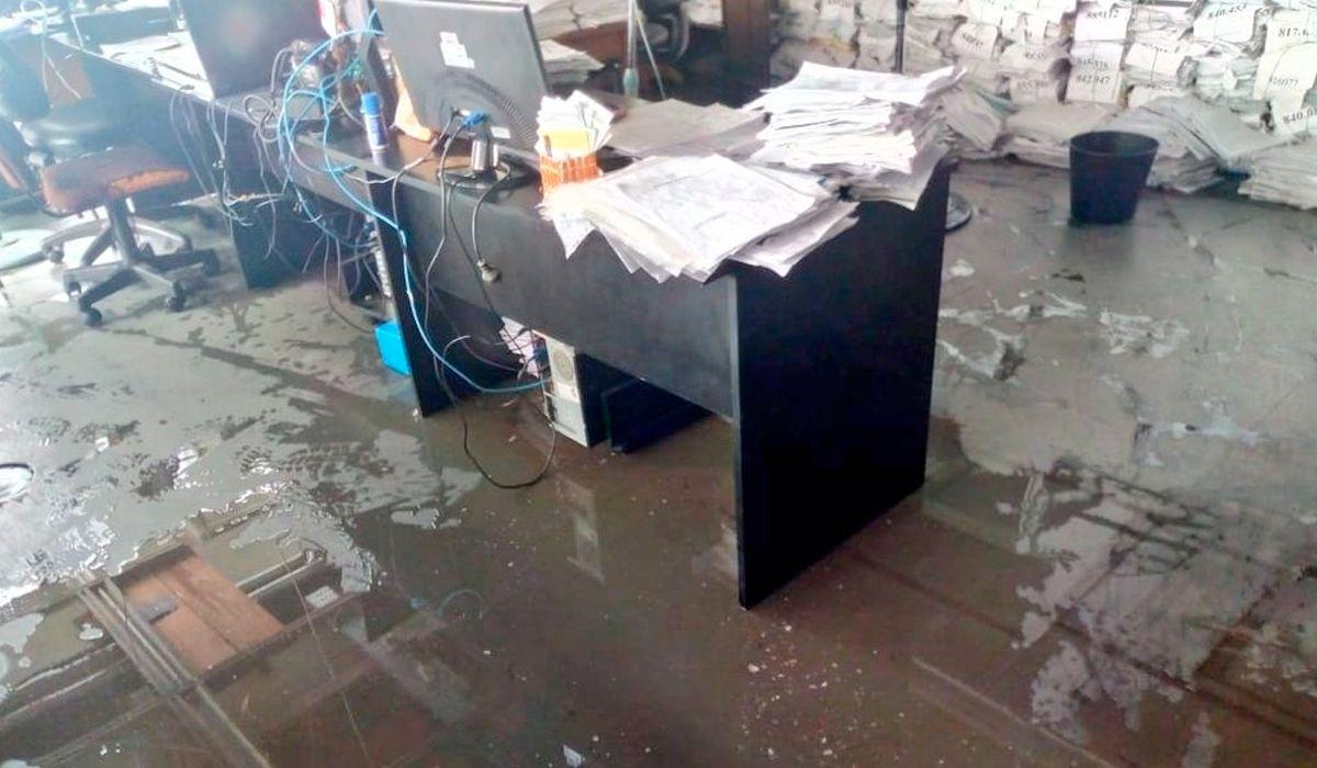 Se rompió un caño de agua en la Torre 1 de La Plata