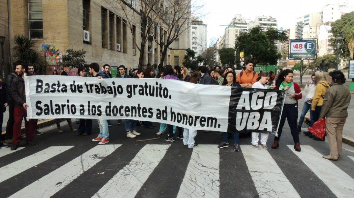 Más de 190 mil docentes universitarios reclaman condiciones dignas de trabajo