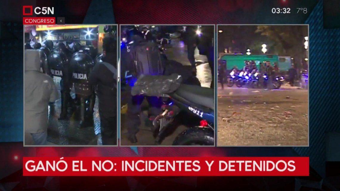 Tras la votación la policía reprimió a un grupo de manifestantes