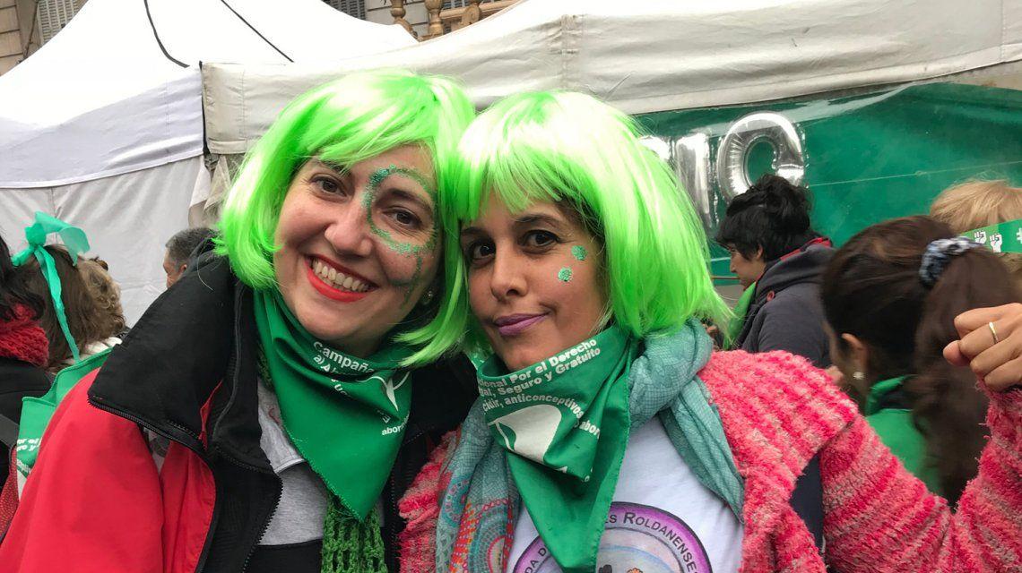 La calle es de las pibas: cánticos, bailes y la sensación de una victoria