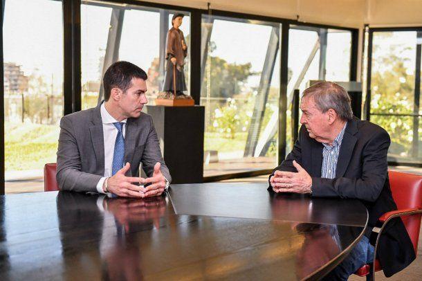 El gobernador de Salta visitó la Bolsa de Comercio de Córdoba