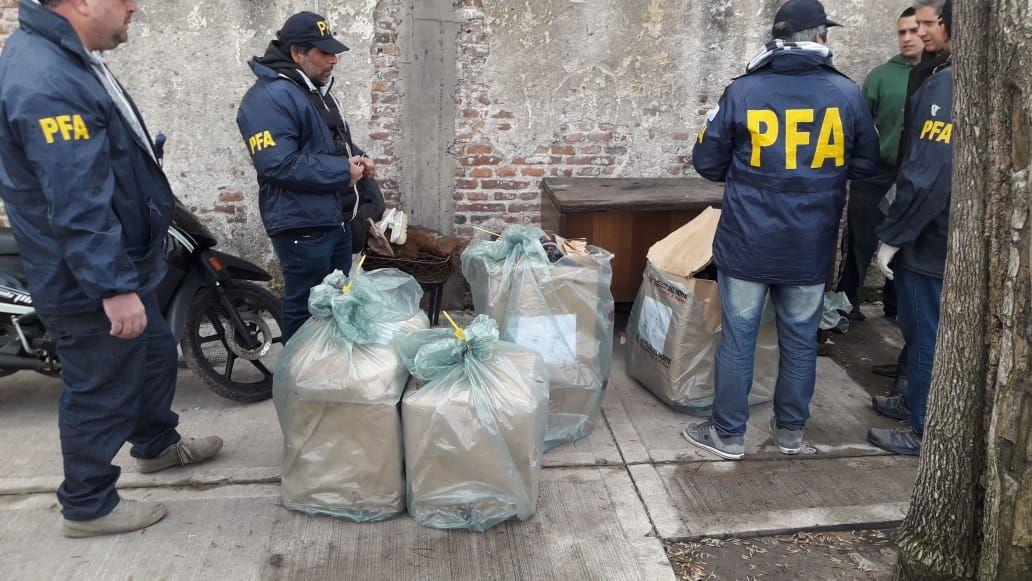 Detuvieron a la banda de narcotraficantes los juguetes rabiosos: ocultaban la droga en muñecos