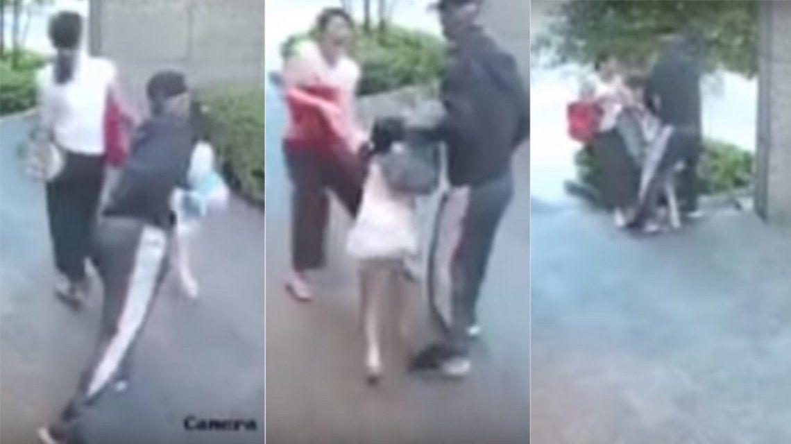 Quisieron robarle a la hija y se defendió