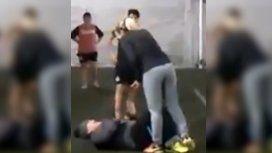 La falta de Rocío Oliva a Maradona en un partido de fútbol