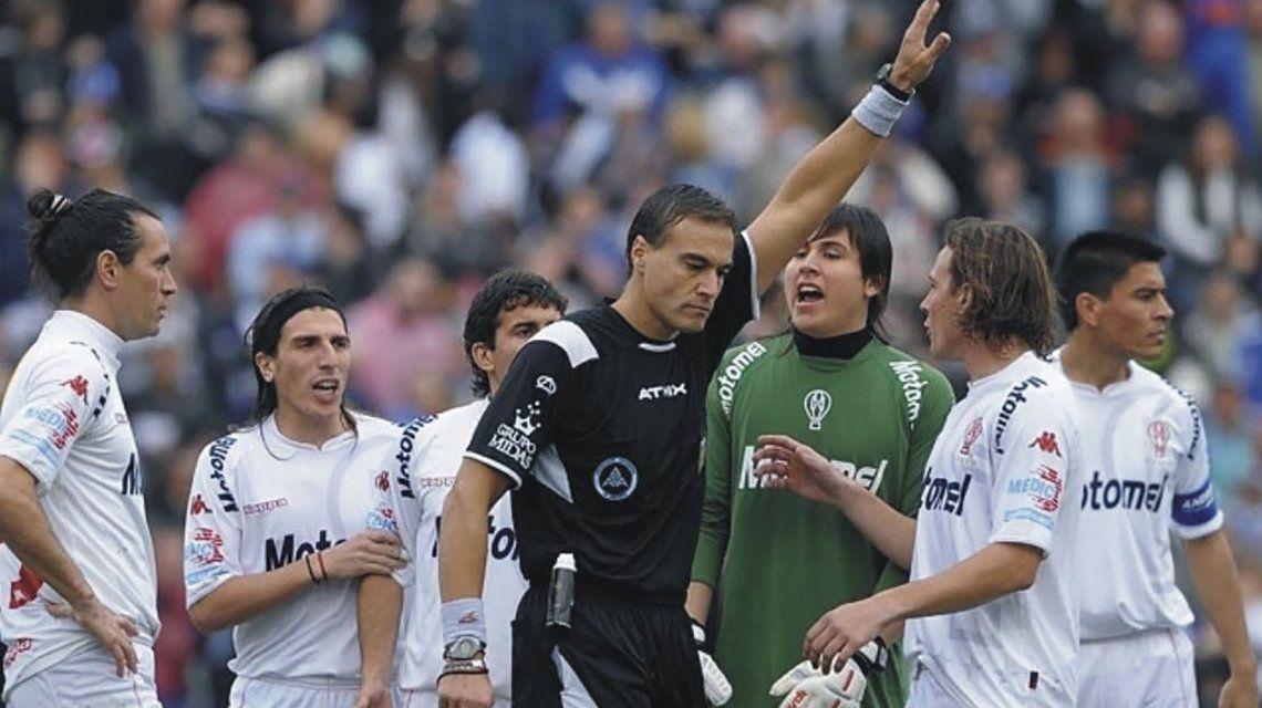 Gabriel Brazenas dirigió por última vez en aquel Vélez - Huracán