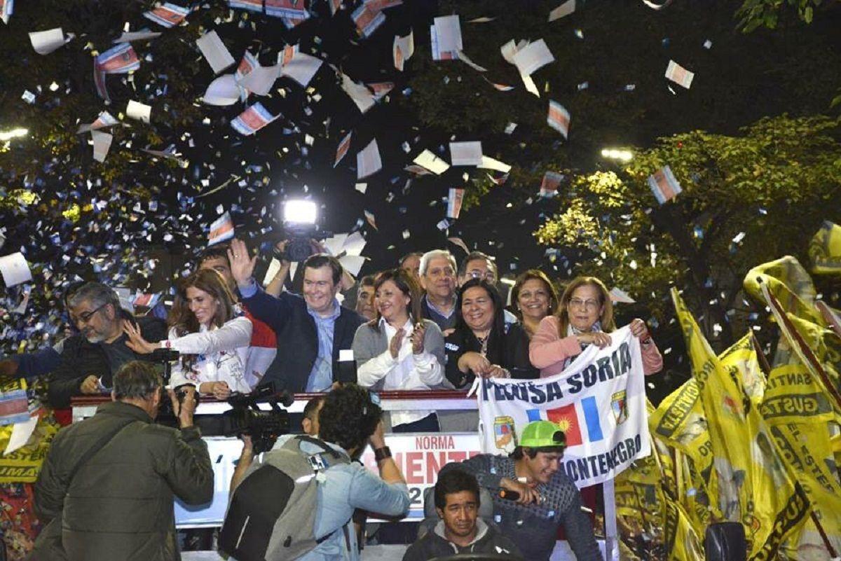 Claudia Ledesma Abdala y Gerardo Zamora celebran la victoria