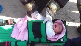VIDEO: Dramático rescate de una beba que cayó a un desagüe