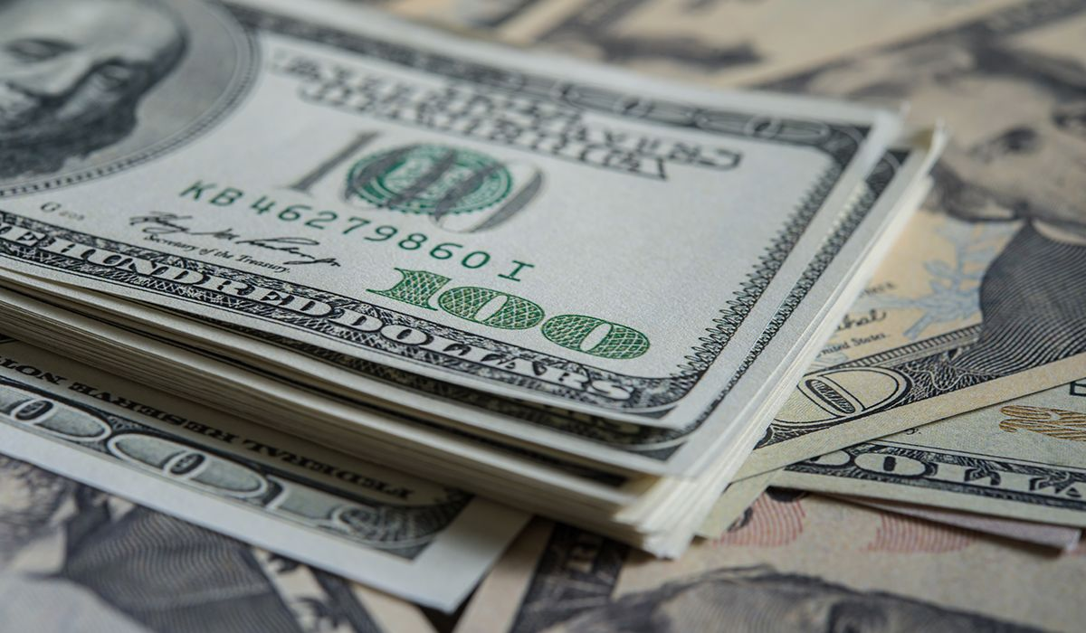 El mensaje grabado de Macri no calmó al dólar: se disparó sin frenó y llegó a $34