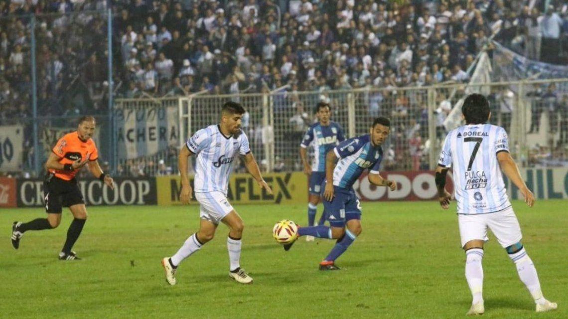 Leandro Díaz tenía todo para ser héroe en el final del partido