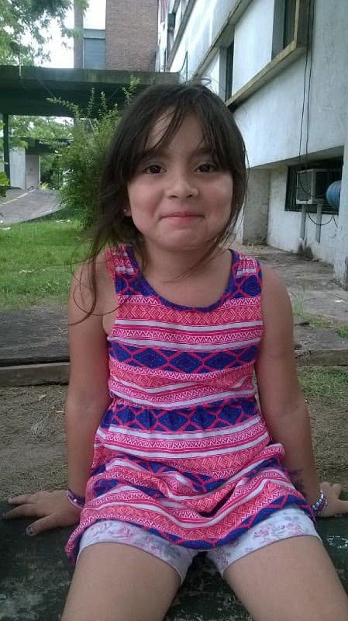 Misterio en un conventillo de Floresta: una nena fue a lo de una vecina y desapareció