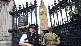 Pánico en Londres por un automovilista que se estrelló contra el Parlamento británico