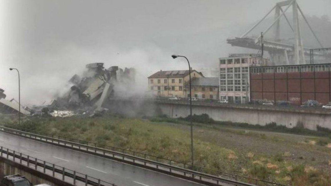 Así fue el derrumbe del puente en Génova