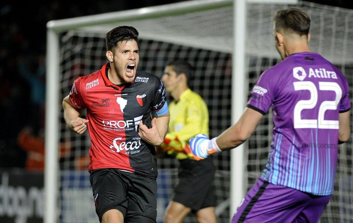 Ortiz celebra el gol del triunfo con Burián