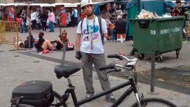 Matías usa su bicileta para trabajar y trasladarse