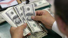 El dólar se volvió a disparar y subió 25 centavos