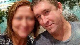 Dos nenes mataron al novio de su mamá cuando intentaba estrangularla