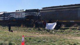 Murió un joven arrollado por un tren: estaba tirado en las vías