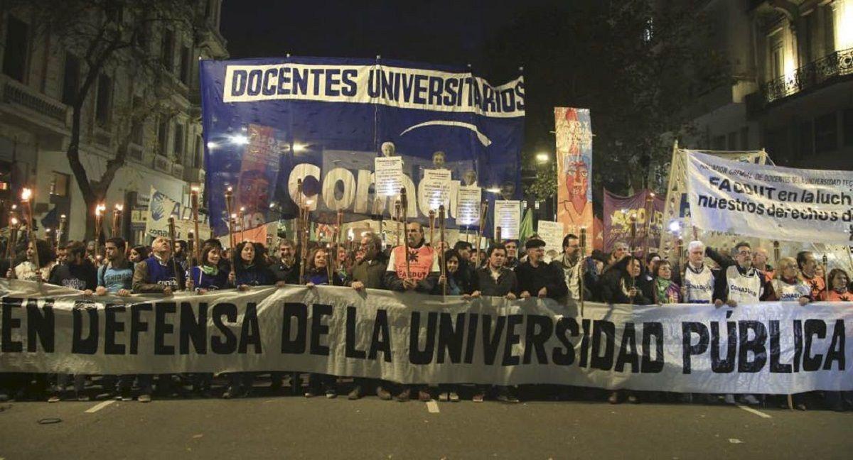 Docentes universitarios reclaman una paritaria acorde a la inflación