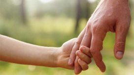 Condenaron a una mujer por evitar que su hijo tenga contacto con el padre
