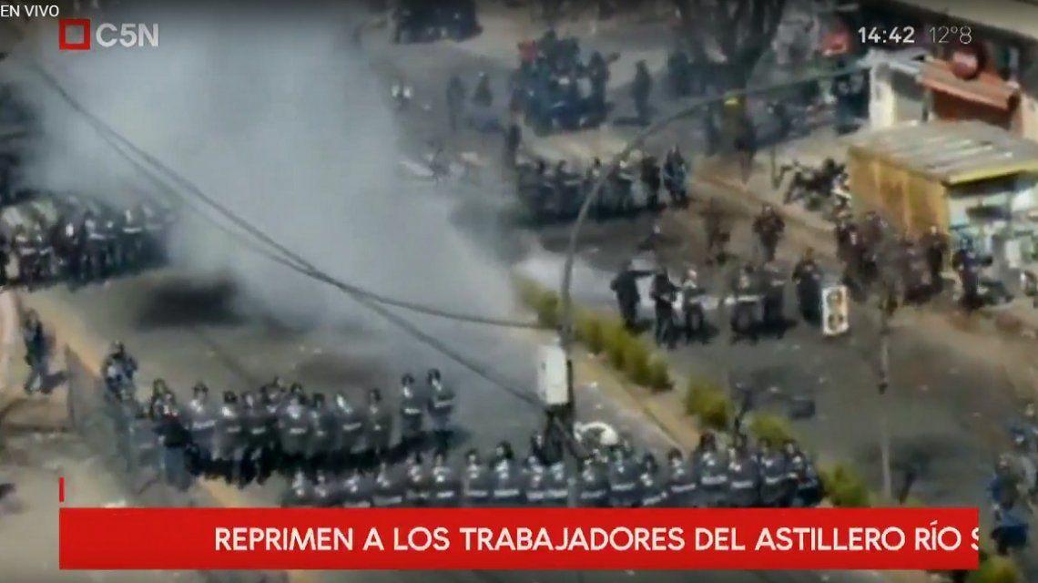 Violenta represión a trabajadores del Astillero Río Santiago