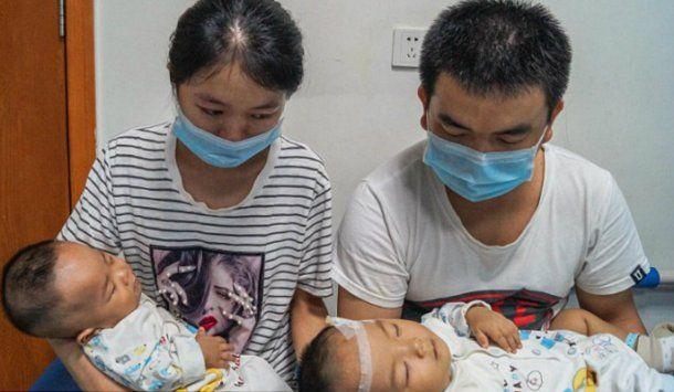 Los padres tuvieron que decidir a cuál de sus dos hijos le pagaban el tratamiento