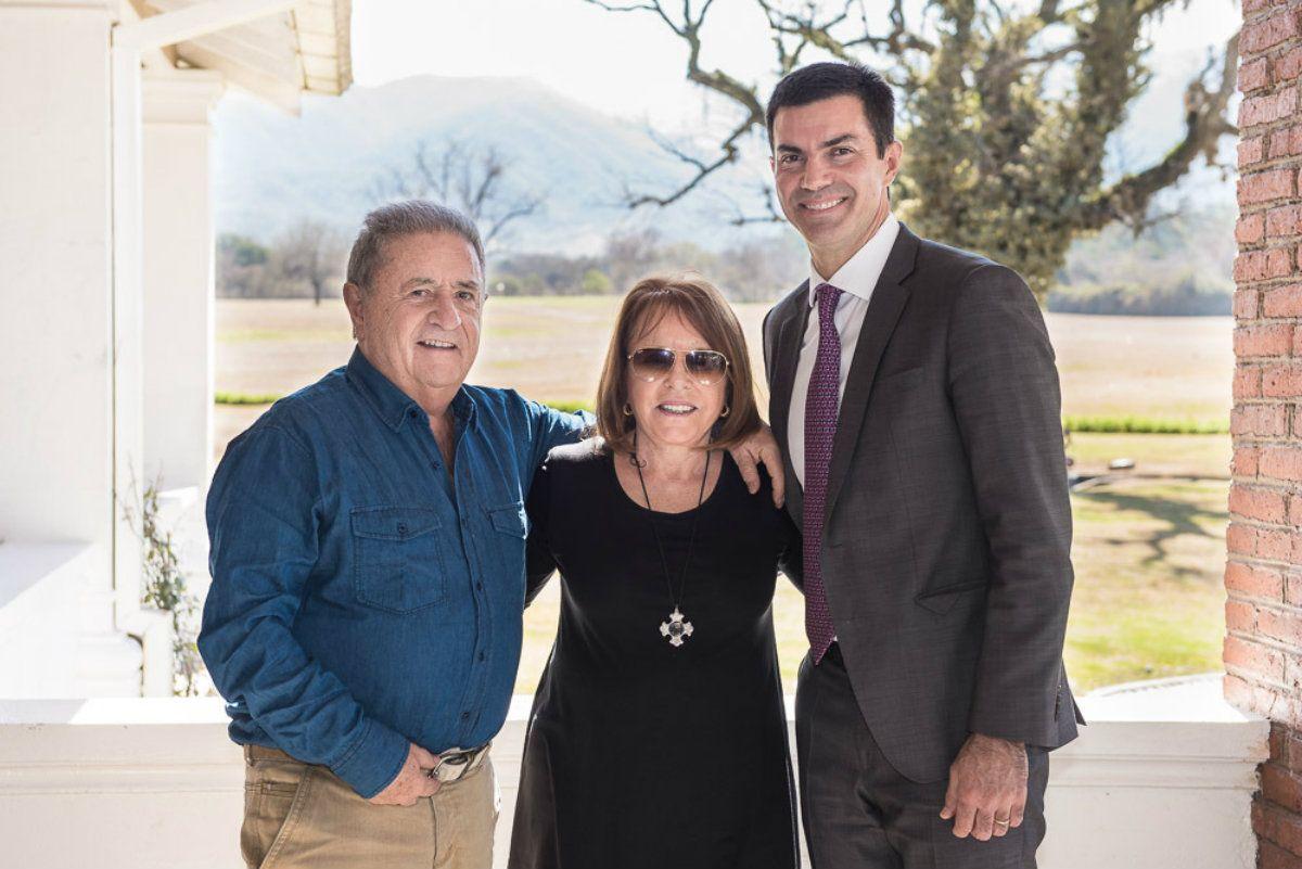 El gobernador de Salta coincidió con el ex presidente y su esposa