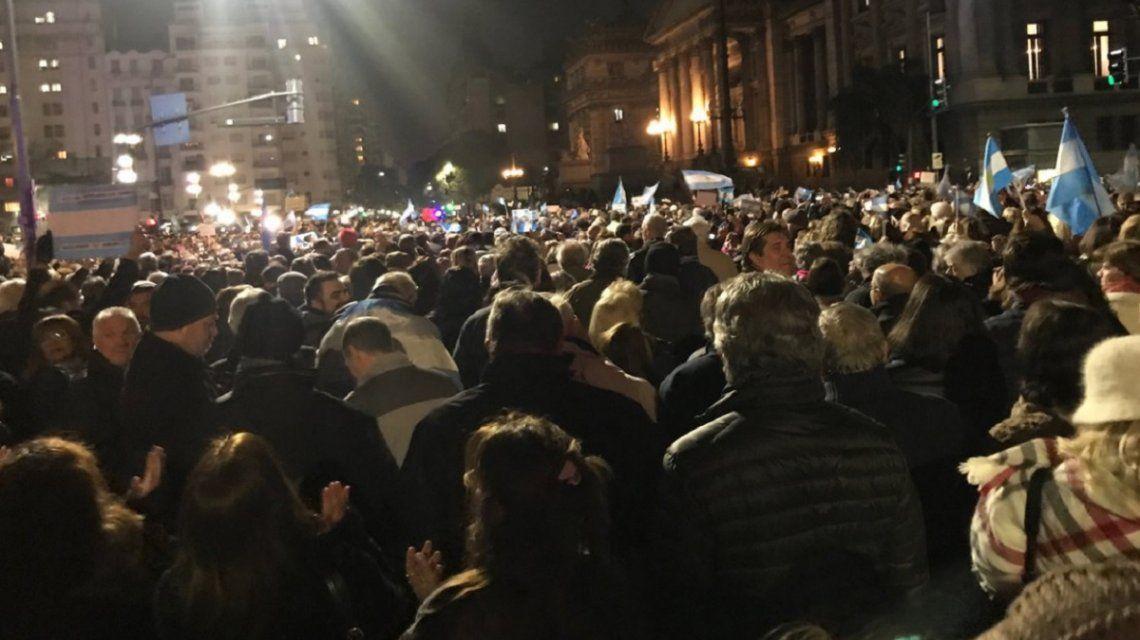 Masiva marcha frente al Congreso para pedir el desafuero de Cristina Kirchner