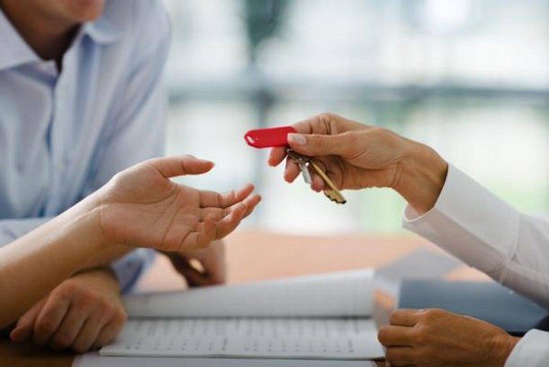 Un fallo determinó que los inquilinos no deben pagar la comisión de los alquileres