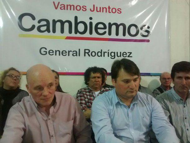 <p>Darío Kubar (camisa celeste), intendente de General Rodríguez</p>