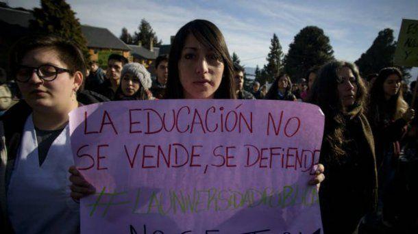 Estudiantes, docentes y auxiliares, en plena defensa de las universidades públicas