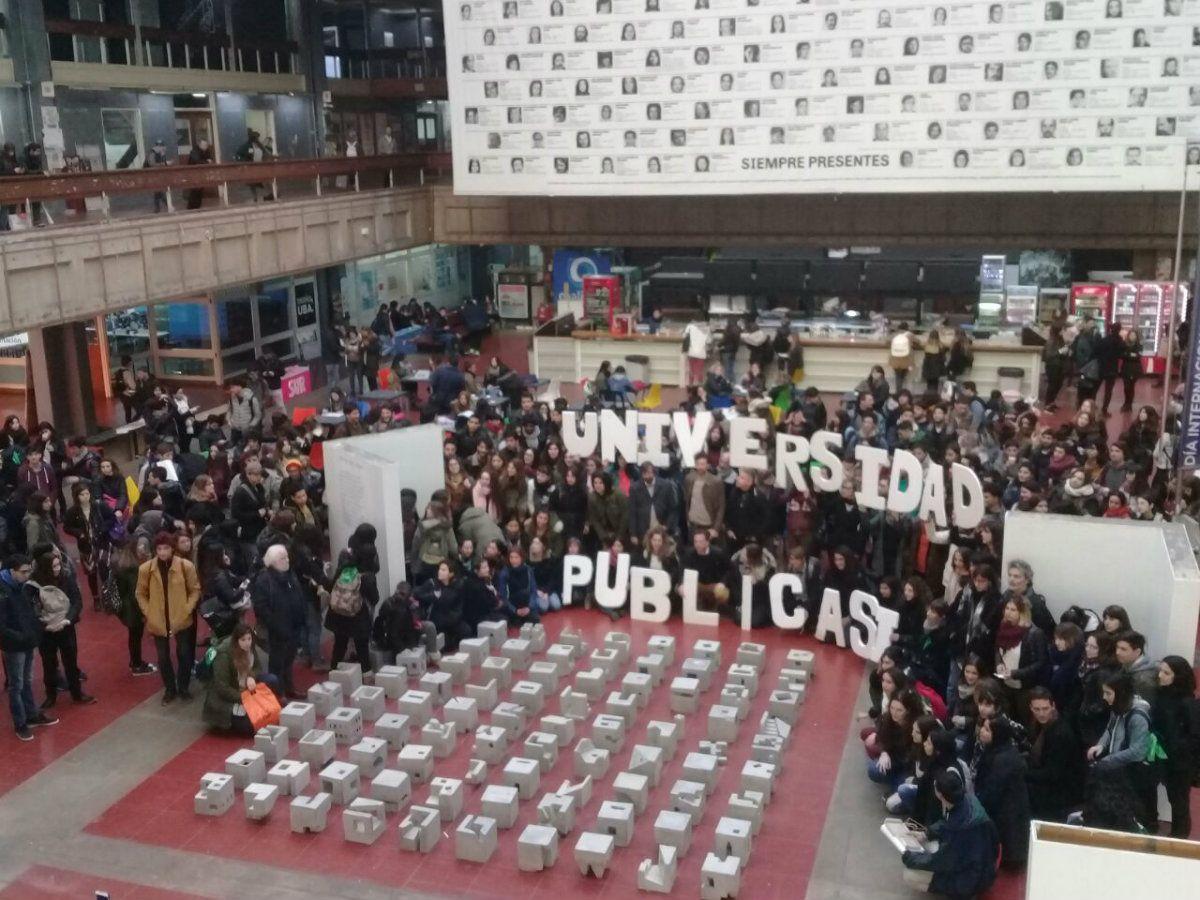 Hubo manifestaciones y actividades en la FADU