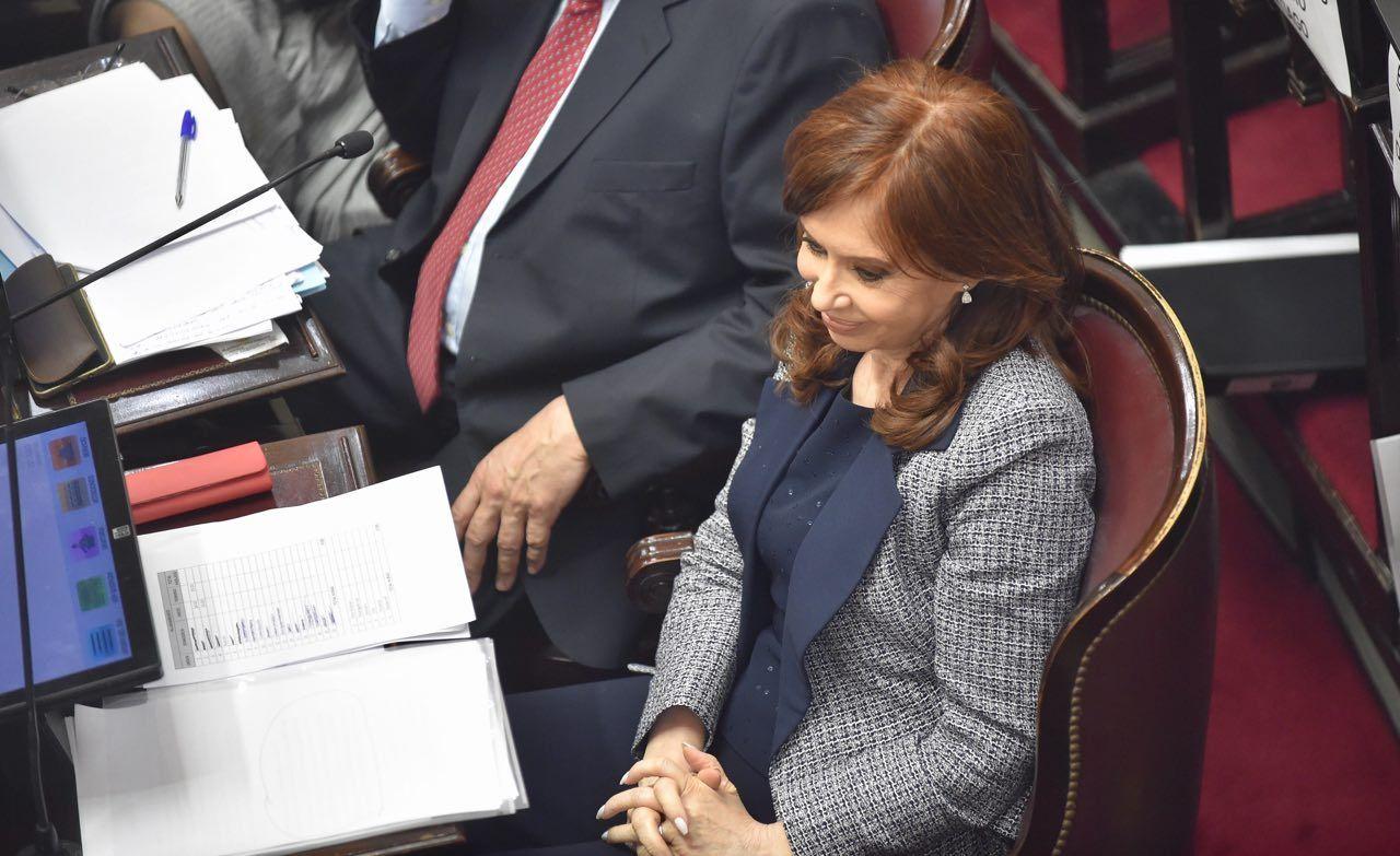 Cristina Kirchner deberá volver a tribunales el lunes próximo para ampliar su indagatoria
